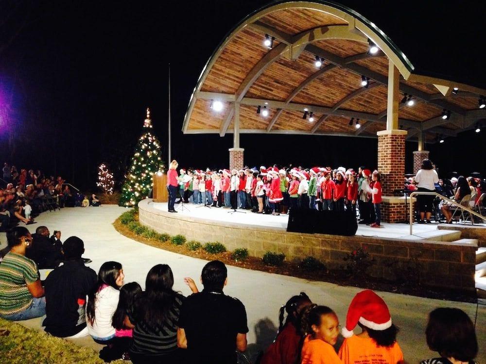 Kids singing Christmas songs