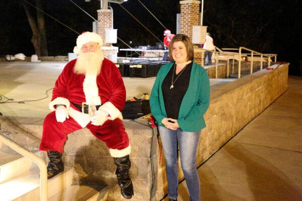 Santa posing with Mayor Rainwater